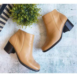 White Mt. Tan Leather Fairchild Ankle Zipped Boot